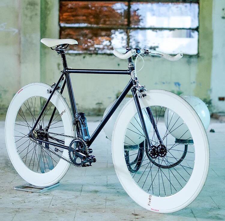 Bicicletta Dal Garage Al Design Intervista A Dafne Fixed Lo Sbuffo
