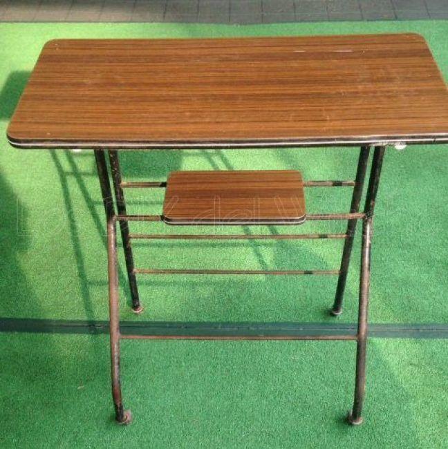 mesa antigua para televisor
