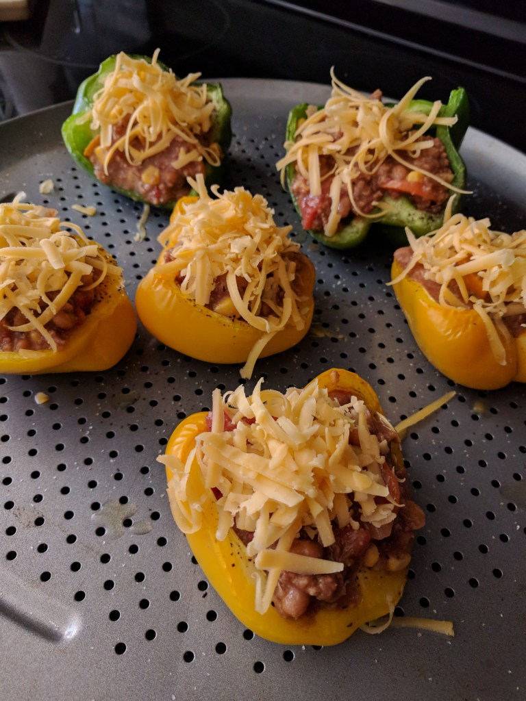 bell pepper chili and cheese bowls