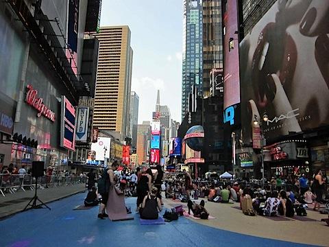 times_square_yoga.jpg