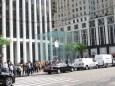Apple Store subterráneo, en la 5a avenida, justo a la salida de Central Park