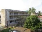 Llegamos a lo que una vez fue escuela y posteriormente se convirtió en el centro de mando de Pol Pot