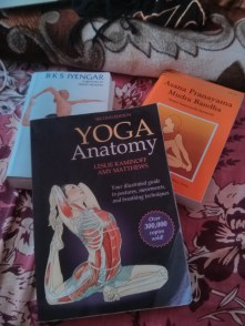 Llegó el momento de ponerse serios y devorar libros de Yoga