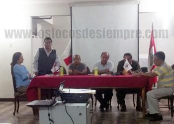 """Orlando """"Motorcito"""" Guzmán se dirige a la asamblea. Foto: LOSLOCOSDESIEMPRE.COM"""