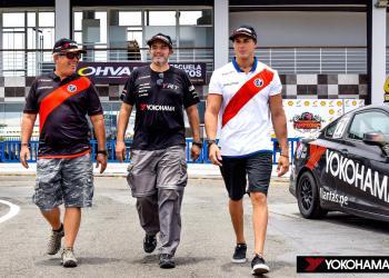 El equipo Yokohama ganador de las & Horas Peruanas. Echa Luis Mendoza