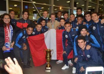 Echa Campeon. La Sub 18 llega a Lima