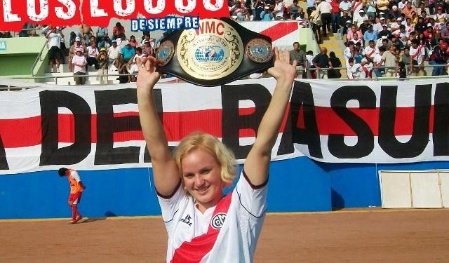 Valentina Shevchenco con la Banda del Basurero. Foto: LOSLOCOSDESIEMPRE/Archivo