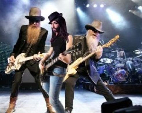 Conchita Wurst, el complemento ideal para ZZ Top