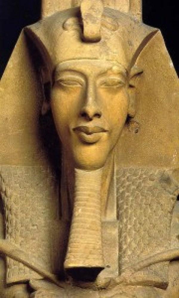 akenaton-faraón-híbrido
