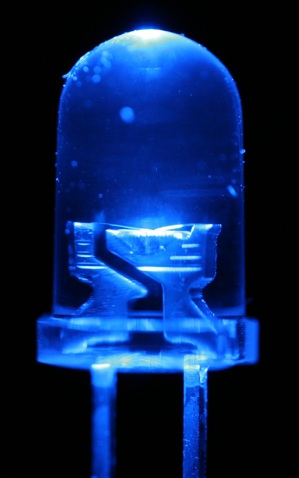 Y la luz azul se hizo  Premio Nobel de Fsica 2014  Los