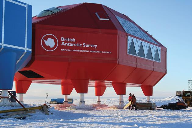 87082_c0113240-antarctic_research_station-spl_630m