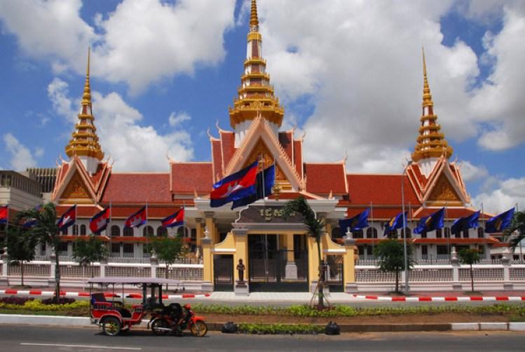 83676181-d67x298v-cambodiajul07393
