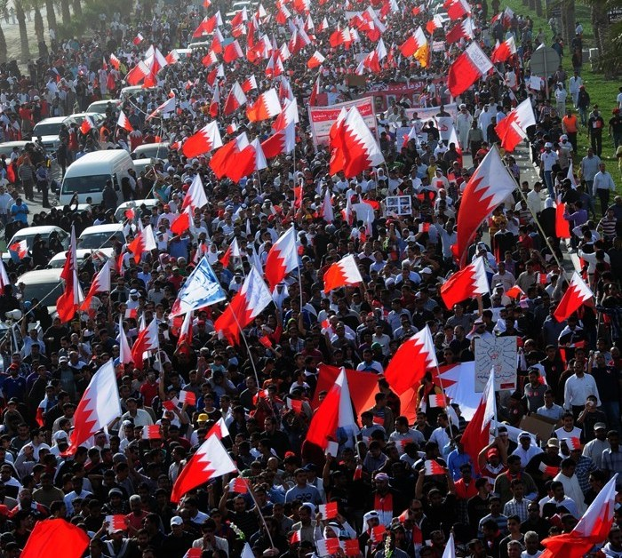 Hundreds_of_thousands_of_Bahrainis_taking_part_in_march_of_loyalty_to_martyrs