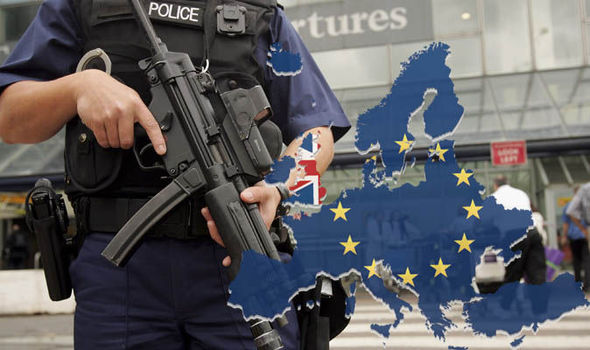 Police-officer-brexit-map-698421