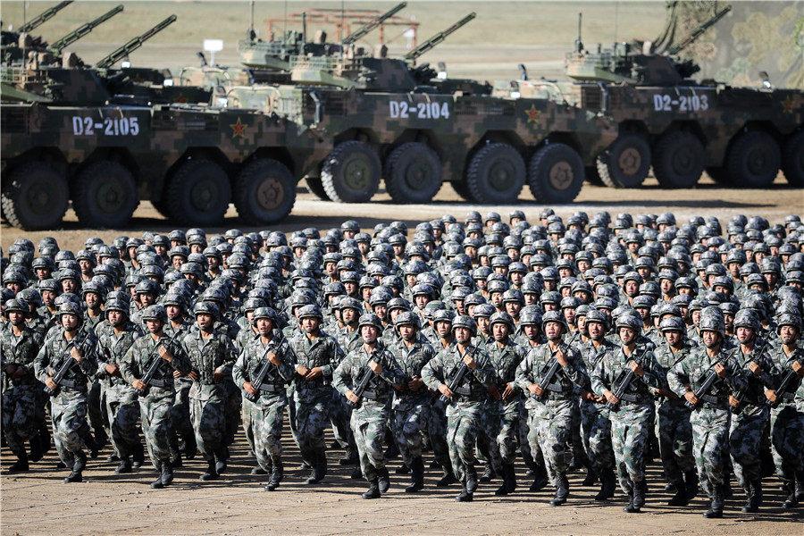 Cinesi durante un'esercitazione.jpg