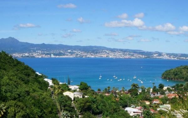 Amabile vista di Fort-de-France da Les Trois Ilets