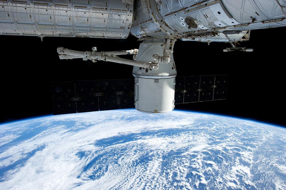 satellite-693222_960_720.jpg