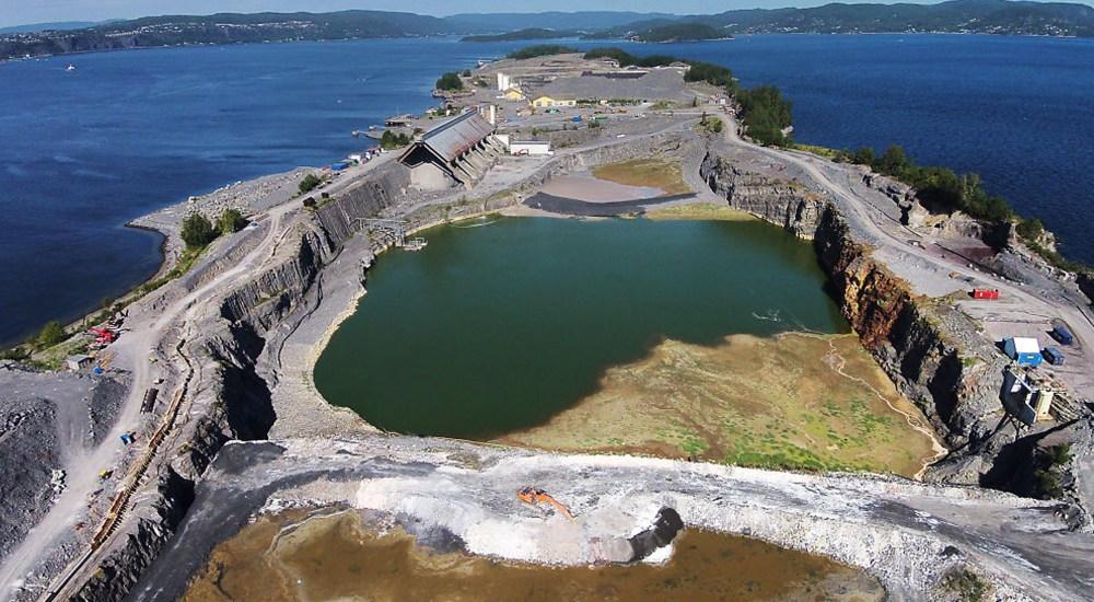 Langoeya-deponi-for-farlig-avfall.jpg