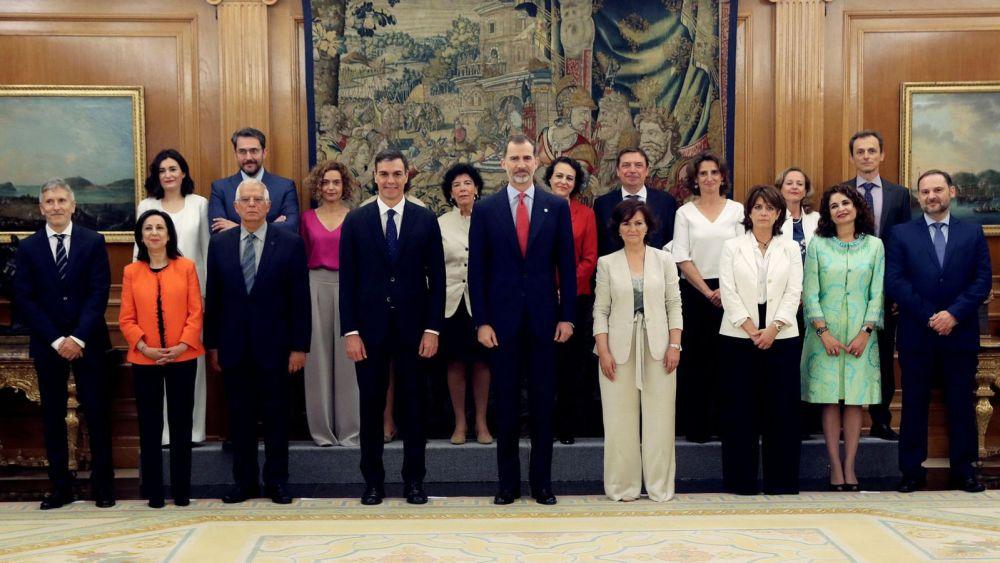skynews-spain-new-cabinet-members_4329999