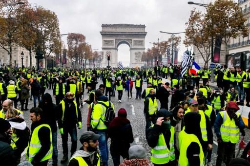 Manifestation-gilets-jaunes-Champs-Elysees-24-novembre_0_729_486.jpg