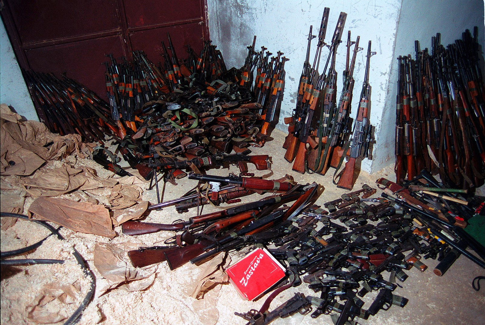 1600px-Weapons_confiscated_from_the_Kosovo_Liberation_Army_(1999).jpg