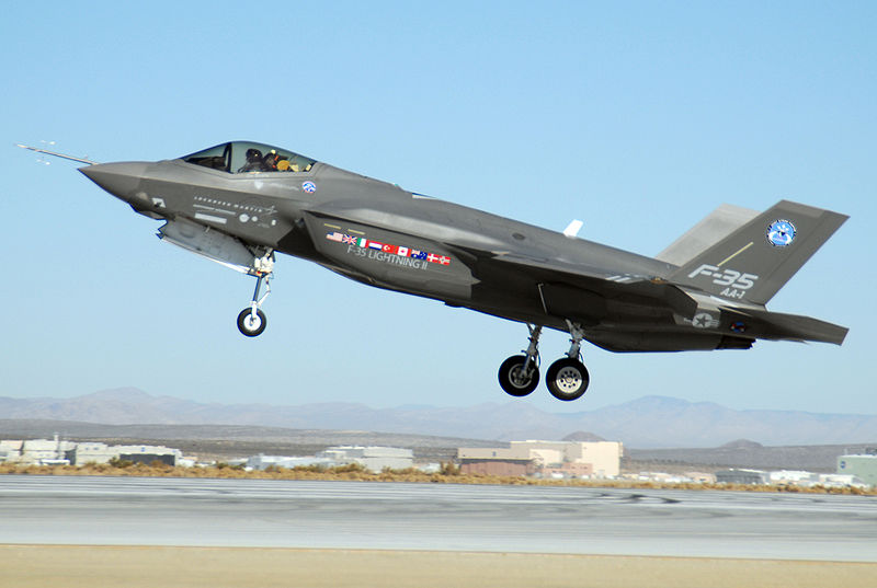 800px-F-35_at_Edwards