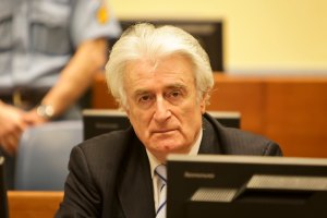 Karadzic durante il proprio processo