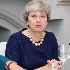 Theresa May. Fonte: Wikimedia Commons (https://commons.wikimedia.org/wiki/File:Theresa_May_(Sept_2017).jpg)