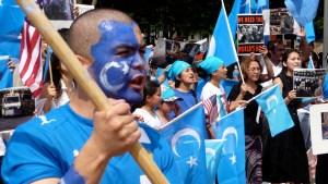 La politica di Pechino nello Xinjiang: il controllo e la rieducazione