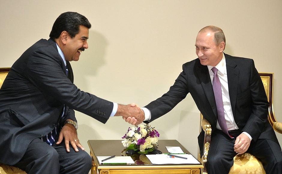 Vladimir_Putin_&_Nicolás_Maduro_in_Tehran,_24_November_2015.jpg