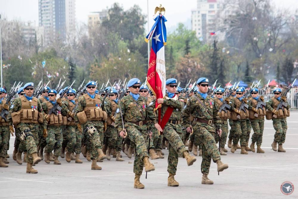 La sfilata militare del 19 settembre a Santiago, Fonte: Facebook