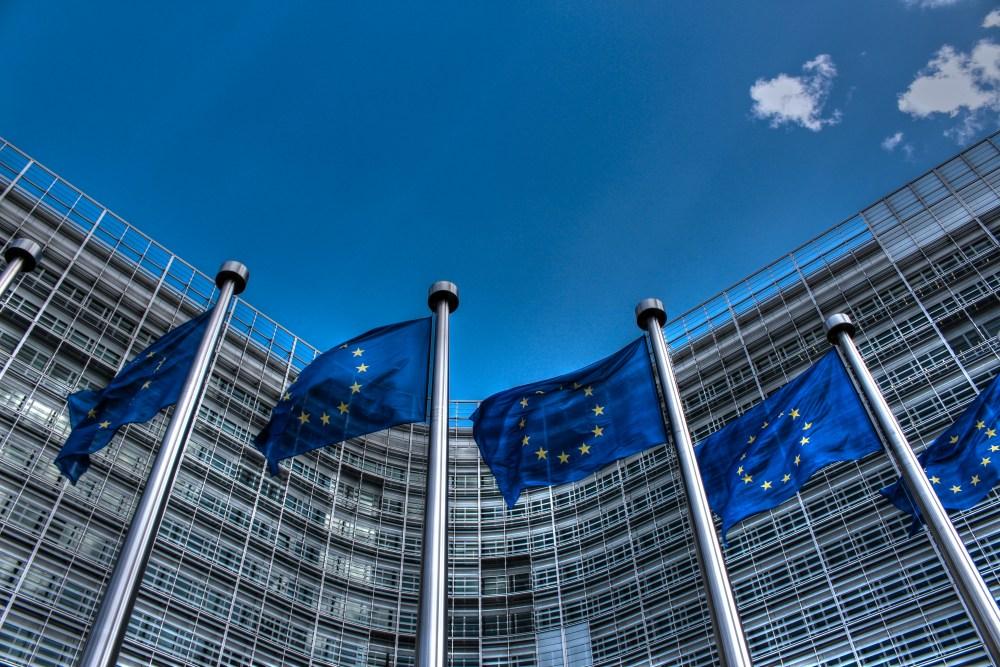 bandiere europee sede parlamento europeo