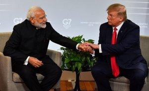 Com'è andata la visita di Trump in India?