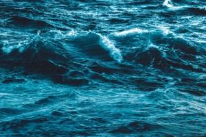 L'oceano: tra sviluppo sostenibile e crimini ambientali