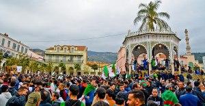 Secondo tempo per l'Hirak: il ritorno in scena del movimento algerino