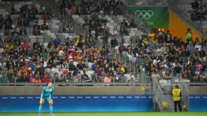 080416-OLY-USA-New-Zealand-womens-soccer-Hope-Solo-stands-PI.vadapt.767.high.1