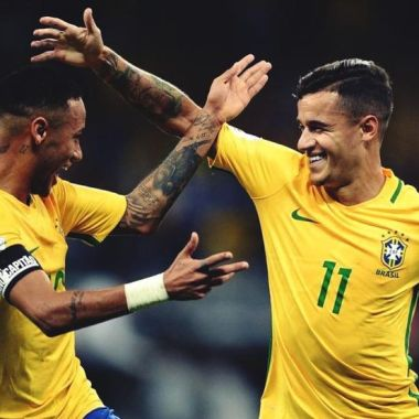 Philipe Coutinho le gana la carrera a Neymar por el Samba de Oro