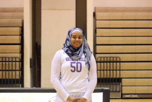 Watkins Mill Hijab Je'Nan Hayes Discriminación