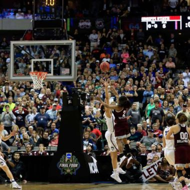 Huskies Connecticut NCAA Mississippi State Buldogs racha