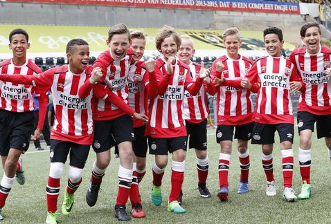 PSV Vitesse abuso sexual menores