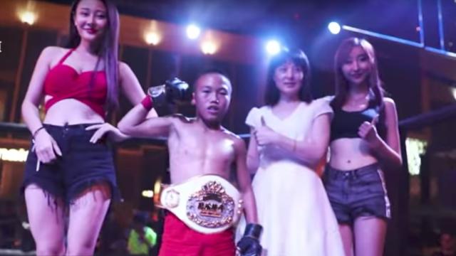 Peleadores MMA huérfanos China adoptados