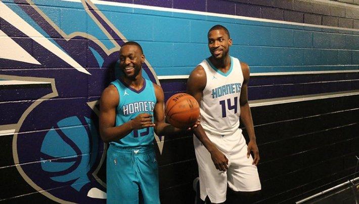 Charlotte Hornets Michael Jordan Jumpman Uniformes