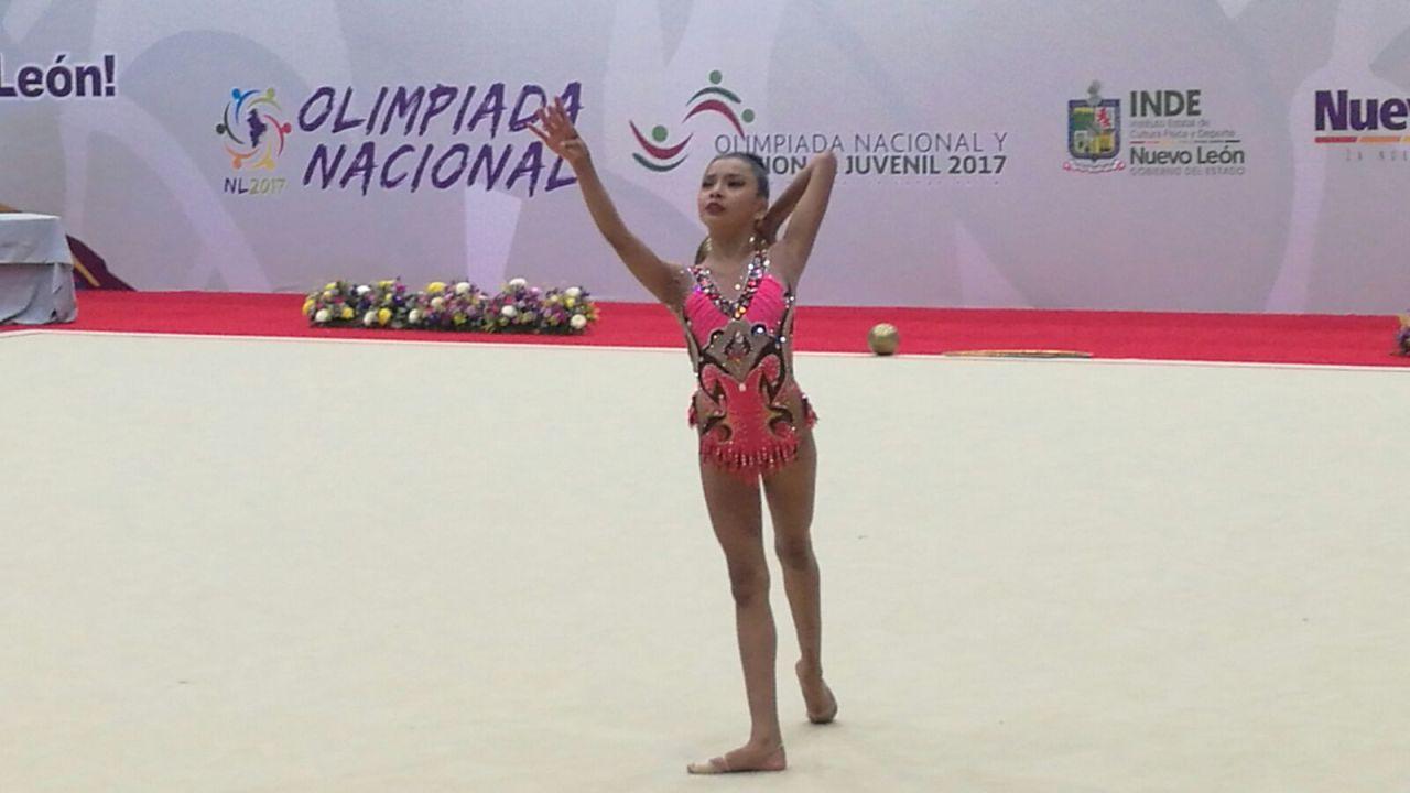 Kimberly Salazar López venta calendarios apoyo gimnasia artística