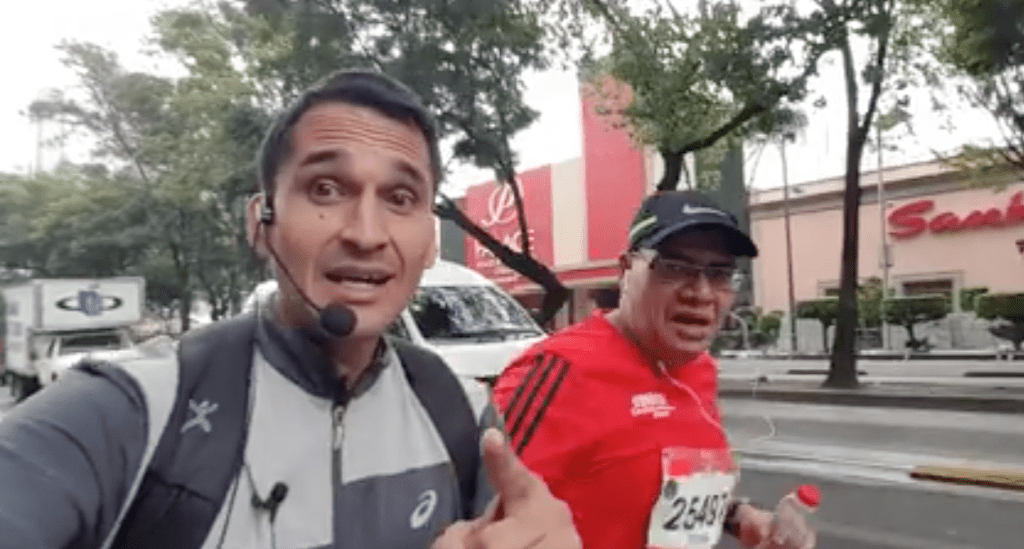 maratón, CDMX, último lugar, entre carros, Ciudad de México, telcel, captado, sin registro,