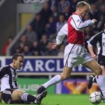 Dennis Bergkamp Mejor Gol Premier League BBC
