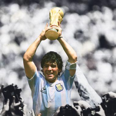 Maradona, el más mundano de los futbolistas