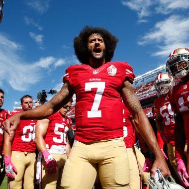 Colin Kaepernick NFL demanda equipos San Francisco 49ers