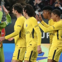 Mbappé Tortugas Ninja PSG festejo Rennes