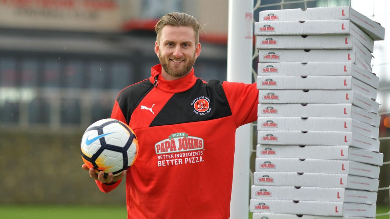 portero, Chris Neal, Fleetwood Town, tercera división, gana, pizza, ilimitada, mantener, portería, imbatida, FA Cup, Leicester City