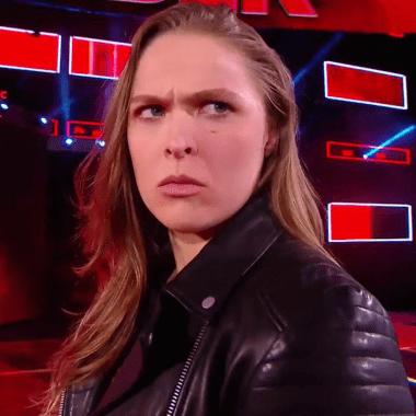 Ronda Rousey Actuando WWE Incómodo RAW WrestleMania